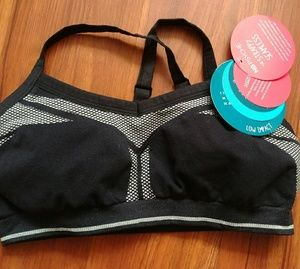 NWT Lightweight New Balance Sports Bra